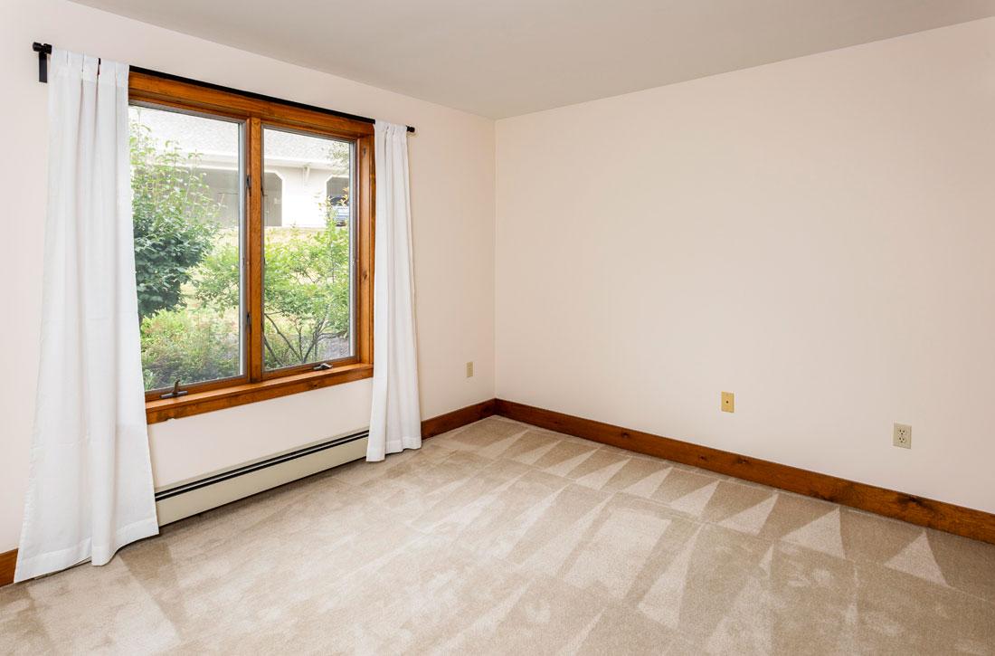 Ridges-bedroom