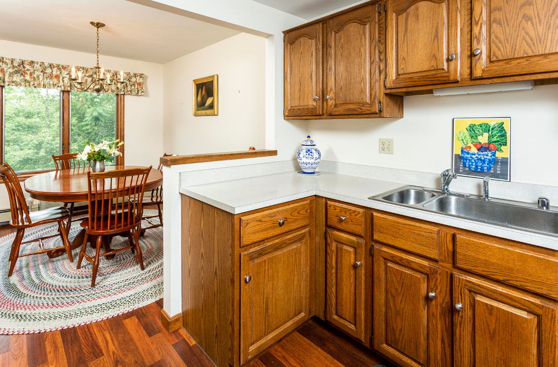 Kitchen-at-Parkwood-Apartments